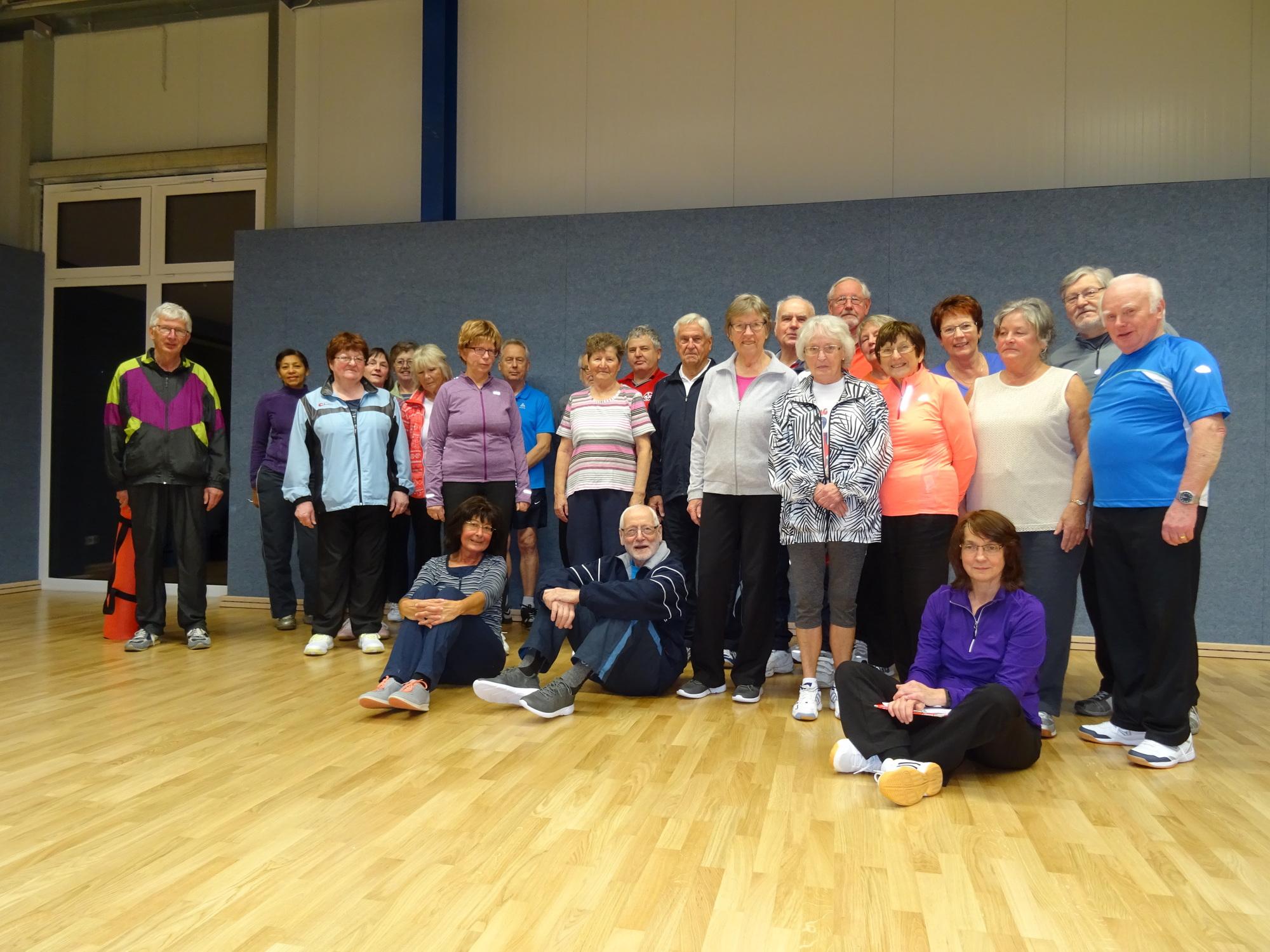 Teilnehmer des Kurses Haltung und Bewegung vom TV Langenlonsheim