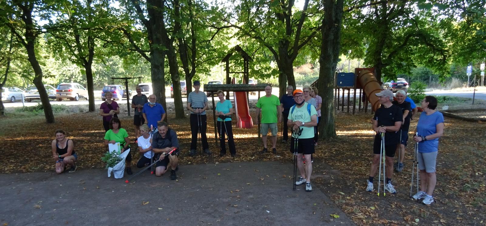 Teilnehmer Nordic Walking Kurs im Langenlonsheimer Wald